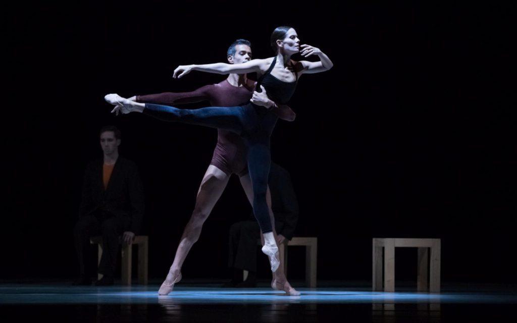 """3. V.Mazzeo, I.de Jongh and ensemble, """"Kammerballett"""" by H.van Manen, Dutch National Ballet © A.Kaftira 2016"""