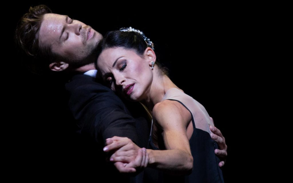 "13. M.Golding and A.Tsygankova, ""Sinatra Suite"" by T.Tharp, Dutch National Ballet © A.Kaftira 2016"