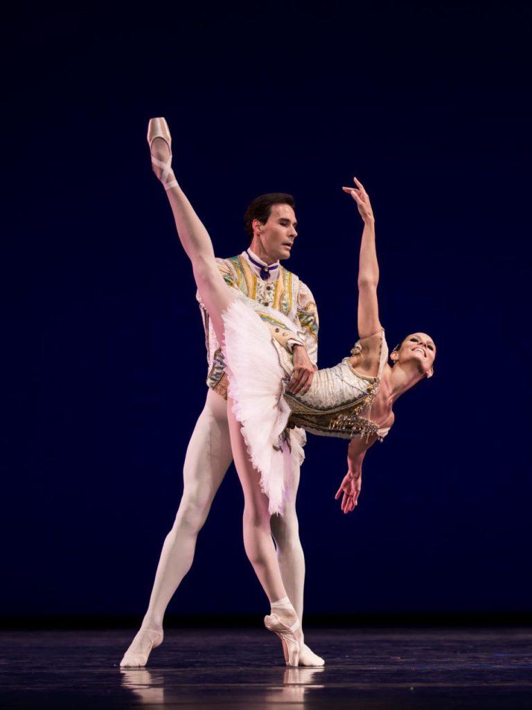 "2. J.Varga and I.de Jongh, ""Theme and Variations"" by G.Balanchine, Dutch National Ballet © A.Kaftira 2016"