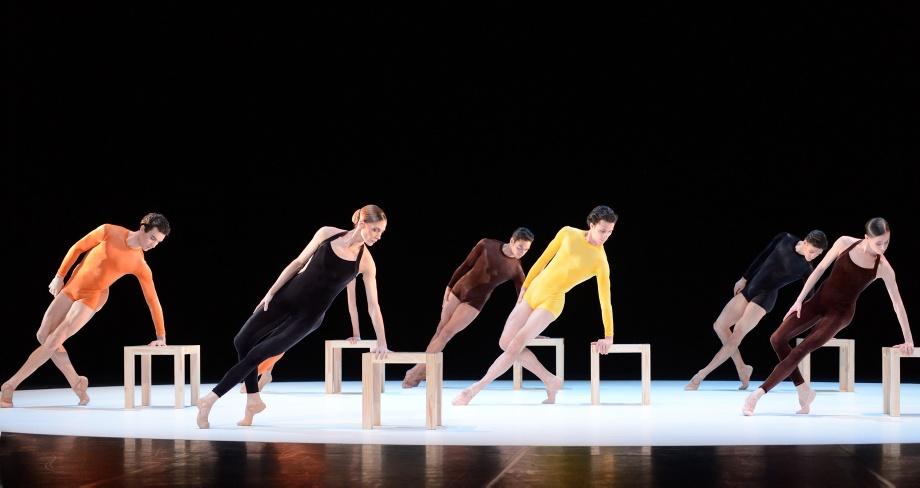 """12. M.F.Paixa, A.Amatriain, J.Reilly, P.von Sternenfels, D.Camargo and A.Osadcenko, """"Kammerballett"""" by H.van Manen, Stuttgart Ballet © Stuttgart Ballet"""