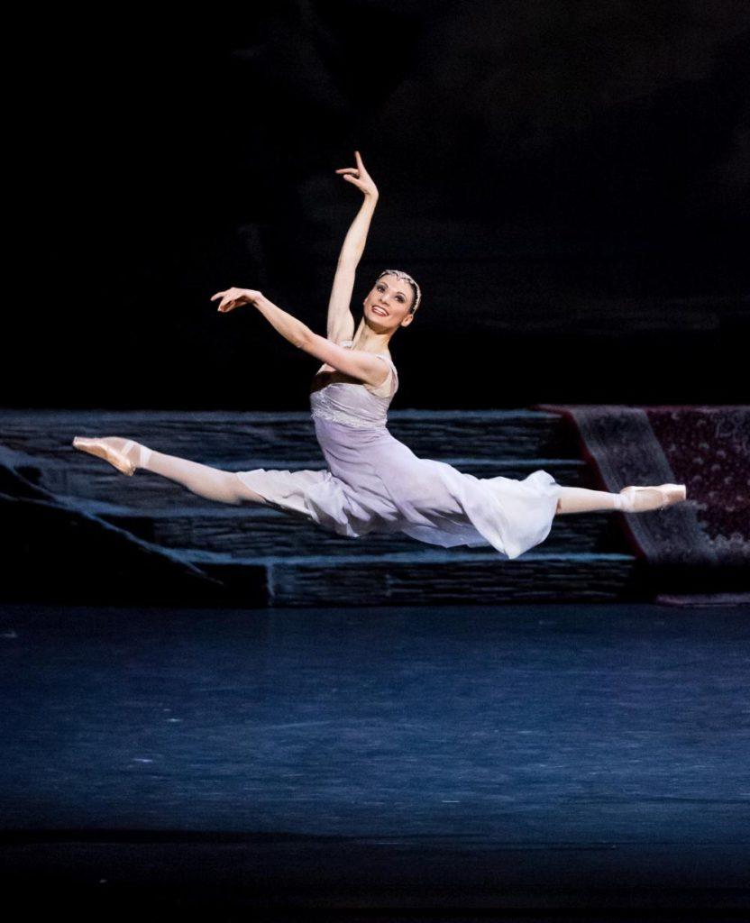 """4. L.Konovalova, """"Le Corsaire"""" by M.Legris after M.Petipa et al. © Vienna State Ballet / A.Taylor 2016"""