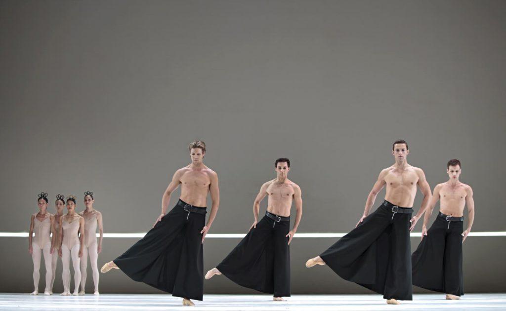 """3. Ensemble, """"Grosse Fuge"""" by H.van Manen, Dutch National Ballet © A.Sterling"""