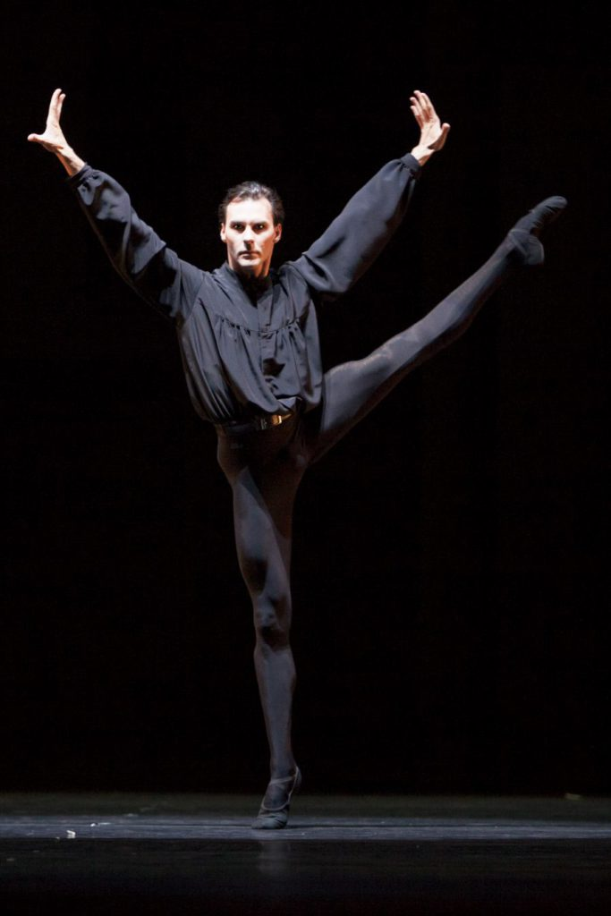 "59. J.Varga, ""5 Tangos"" by H.van Manen, Dutch National Ballet © A.Sterling"