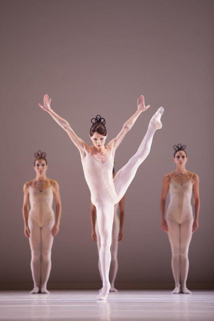 "5. A.Tsygankova and ensemble, ""Grosse Fuge"" by H.van Manen, Dutch National Ballet © A.Sterling"