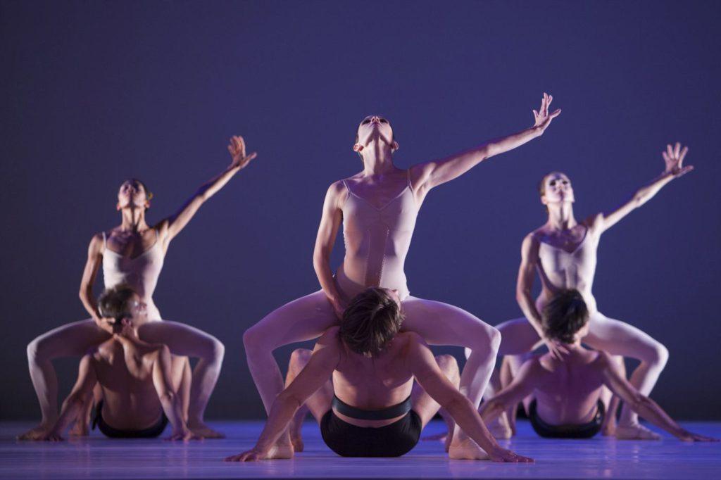 """8. Ensemble, """"Grosse Fuge"""" by H.van Manen, Dutch National Ballet © A.Sterling"""