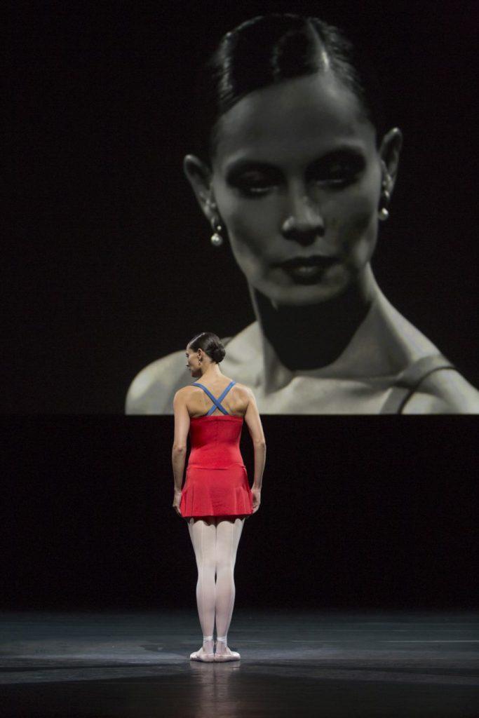 """22. I.de Jongh, """"Live"""" by H.van Manen, Dutch National Ballet © A.Kaftira"""