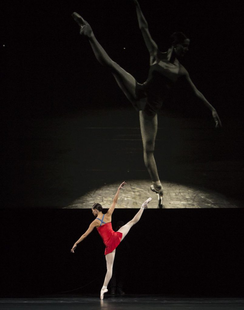 """21. I.de Jongh, """"Live"""" by H.van Manen, Dutch National Ballet © A.Kaftira"""
