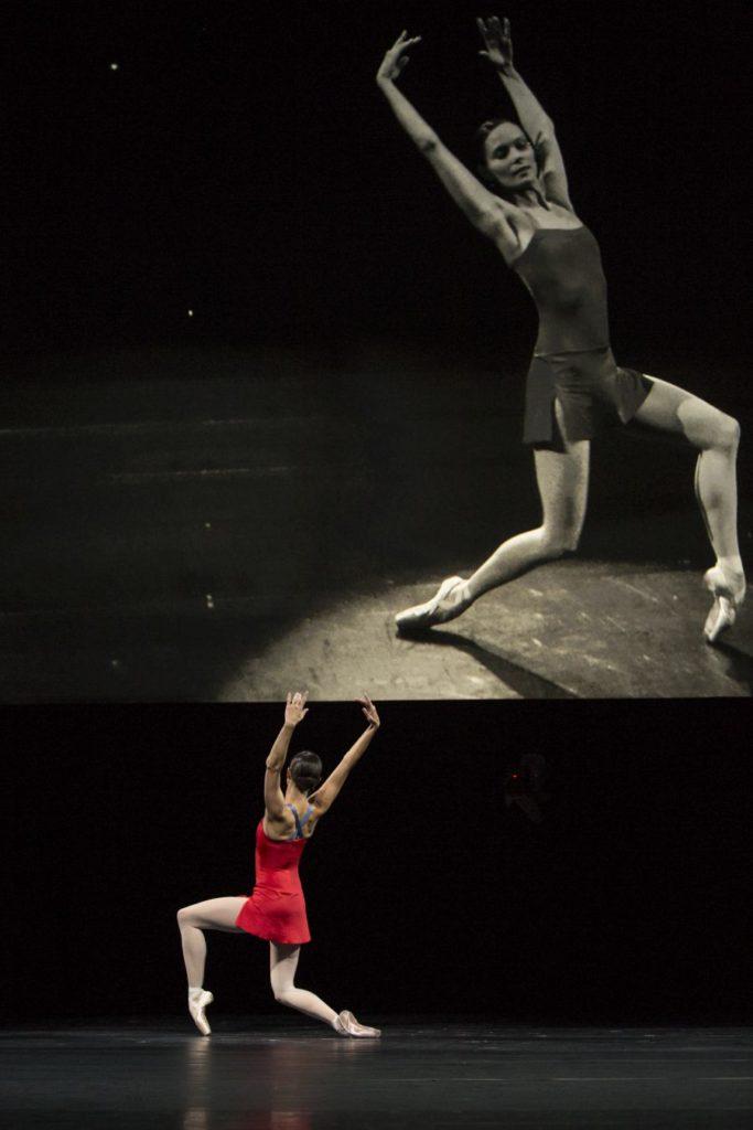 """23. I.de Jongh, """"Live"""" by H.van Manen, Dutch National Ballet © A.Kaftira"""