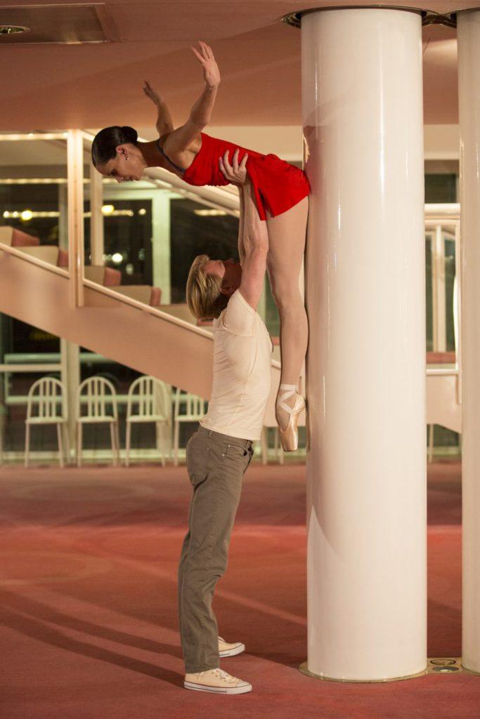"""27. I.de Jongh and M.Rademaker, """"Live"""" by H.van Manen, Dutch National Ballet © A.Kaftira"""