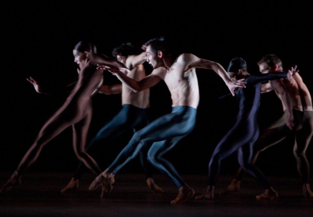"""48. J.Thirault, A.Simões, M.Sydykov, M.do Amaral and H.Freiberg, """"Kleines Requiem"""" by H.van Manen, Ballett am Rhein © G.Weigelt"""