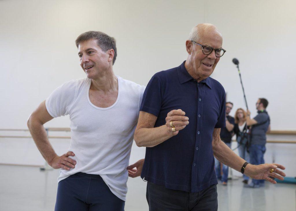 """33. M.Schläpfer and H.van Manen rehearsing """"Alltag"""", Ballett am Rhein © G.Weigelt"""