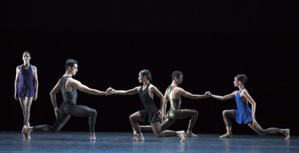 """40. N.Guth, A.Simões, M.do Amaral, B.Narnhammer and N.Magalhães, """"Two Gold Variations"""" by H.van Manen, Ballett am Rhein © G.Weigelt"""