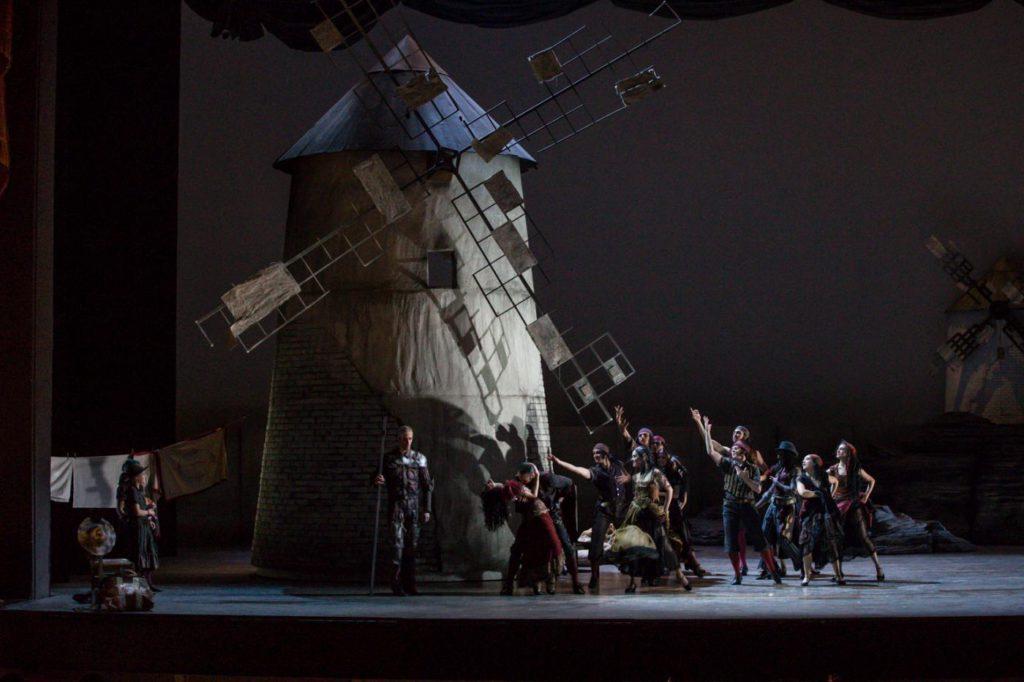 "9. C.Bauch, C.Richardson, F.Voranger and ensemble, ""Don Quixote"" by A.S.Watkin, Semperoper Ballet © S.Ballone 2016"