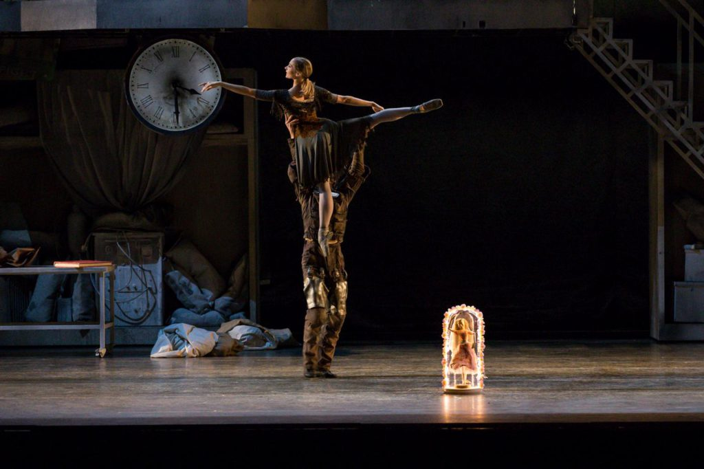 "8. M.Hamilton and C.Bauch, ""Don Quixote"" by A.S.Watkin, Semperoper Ballet © S.Ballone 2016"