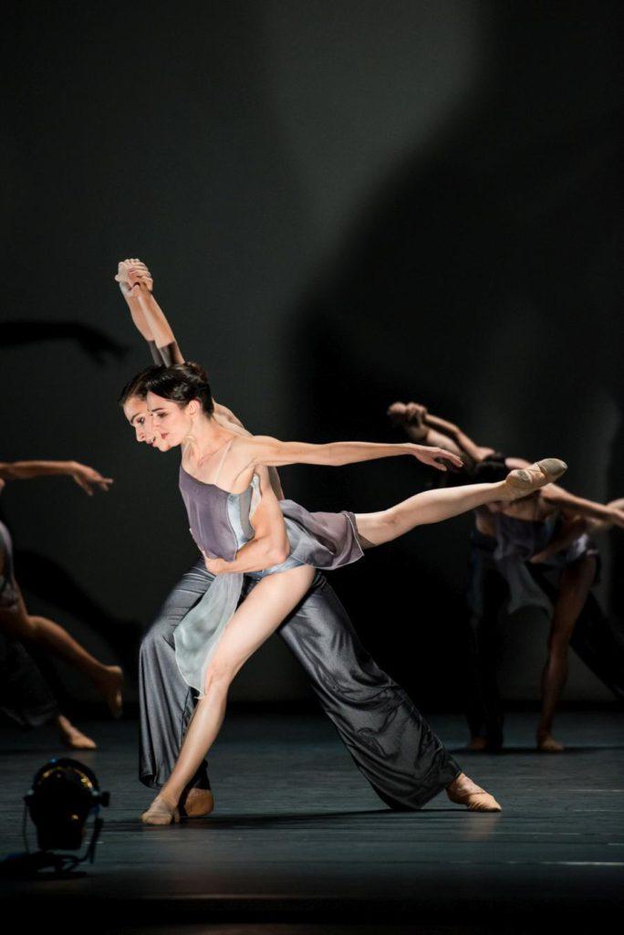 "5. N.Poláková and J.Feyferlik, ""Murmuration"" by E.Liang © Vienna State Ballet / A.Taylor 2016"