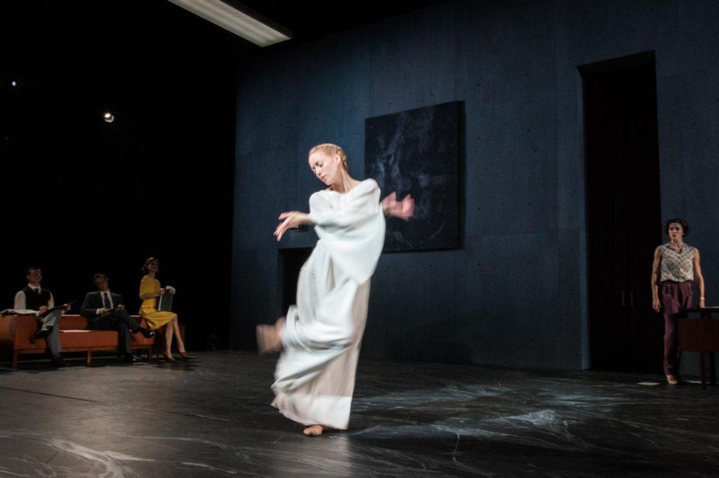 "2. A.Gibson, F.P.Ricci, F.Voranger, C.Scarrone and C.Richardson, ""Oracle"" by J.Hernandez, Semperoper Ballet © I.Whalen 2016"
