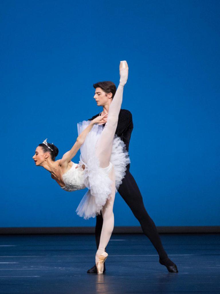 "3. L.Konovalova and V.Shishov, ""Symphony in C"" by G.Balanchine © Vienna State Ballet / A.Taylor 2016"