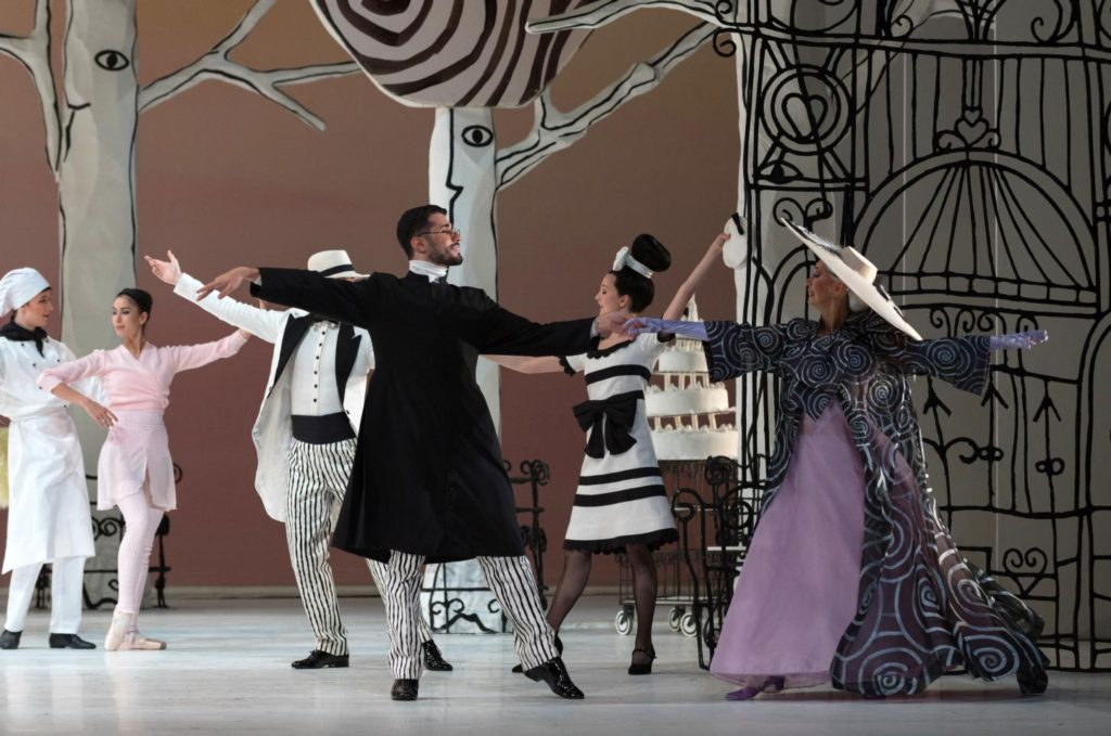 "5. A.Joudeh, A.Bilkins and ensemble, ""Coppelia"" by T.Brandsen, Dutch National Ballet © M.Haegeman 2016"