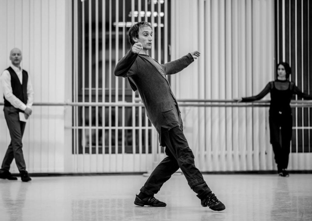 "3. T.Mayr, R.Pronin and O.Tsvetnitskaya, ""Ballet Extra: Open Rehearsal for Spartacus"", chor.: Y.Grigorovich, Bavarian State Ballet © N.Rodboon 2016"