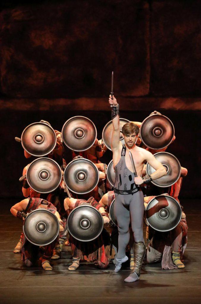 "1. V.Shklyarov and ensemble, ""Spartacus"" by Y.Grigorovich, Bavarian State Ballet © W.Hösl 2016"