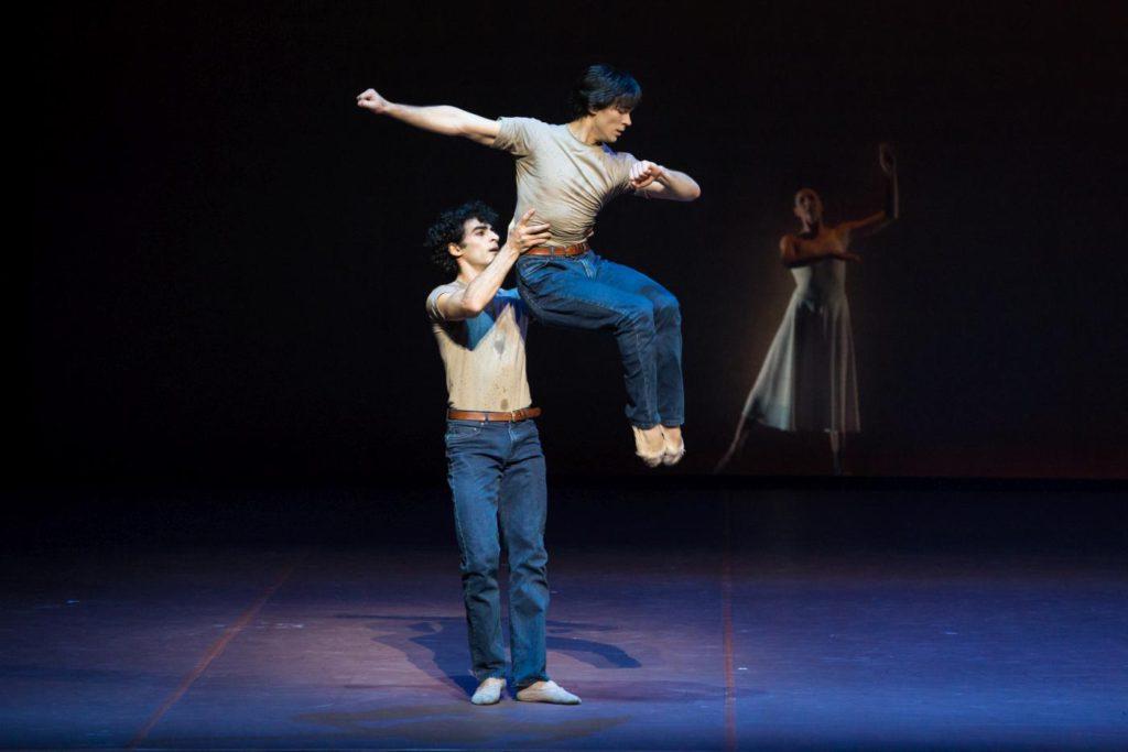 "3. K.Azatyan, A.Trusch and H.Bouchet, ""The Song of the Earth"" by J.Neumeier, Hamburg Ballet © S.Ballone 2016"