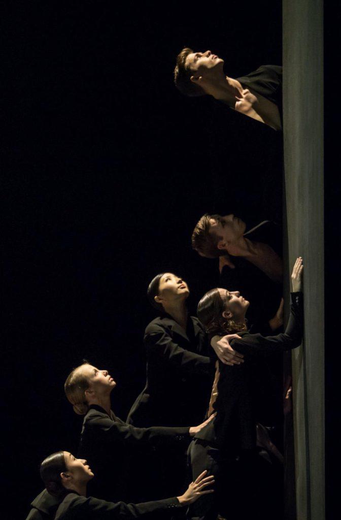 """12. M.Maeda, M.Willems, N.Iijima, M.Ligurgo, C.Parker and M.Geilings, """"Messa da Requiem"""" by C.Spuck, Ballet Zurich © G.Batardon 2017"""