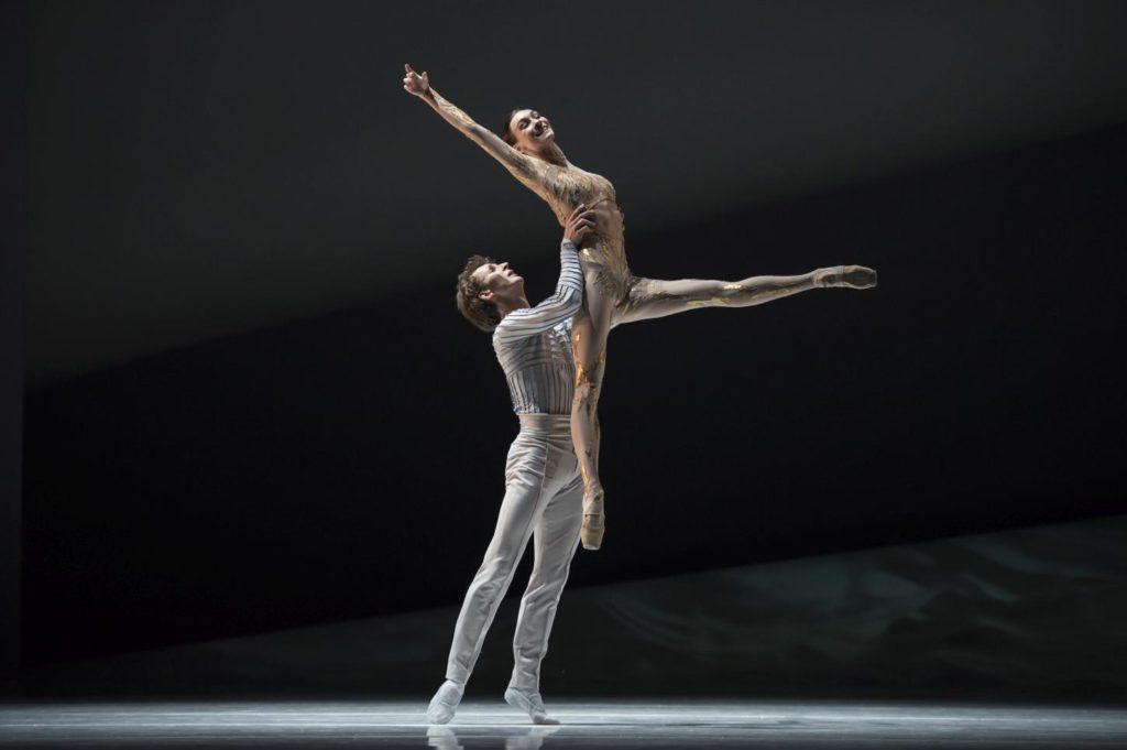 "9. S.Chudin and O.Smirnova, ""La Belle"" by J.-C.Maillot, Les Ballets de Monte Carlo © A.Blangero 2017"
