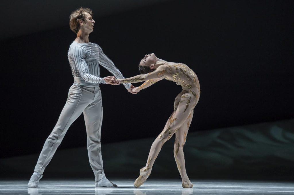 "1. S.Chudin and O.Smirnova, ""La Belle"" by J.-C.Maillot, Les Ballets de Monte Carlo © A.Blangero 2017"