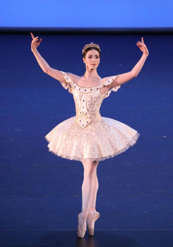"8. K.Ryzhkova, ""Raymonda"" by R.Barra after M.Petipa, Bavarian State Ballet © W.Hösl 2017"