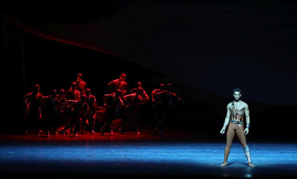 "6. O.Gouneo and ensemble, ""Spartacus"" by Y.Grigorovich, Bavarian State Ballet © W.Hösl 2017"