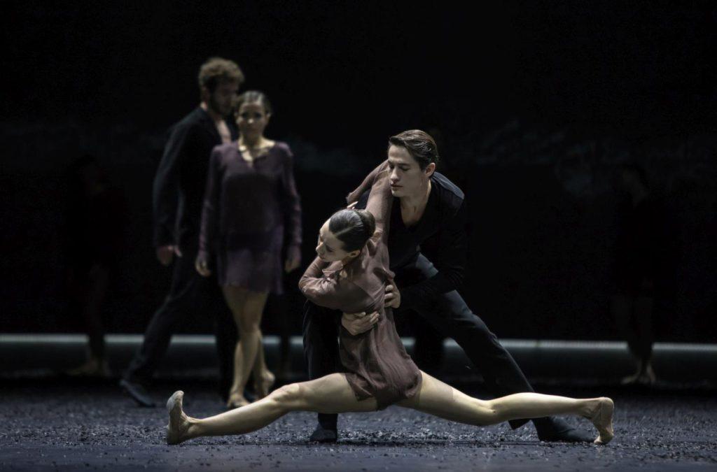 """4. A.Khamzina, A.Jones and ensemble, """"Messa da Requiem"""" by C.Spuck, Ballet Zurich © G.Batardon 2017"""