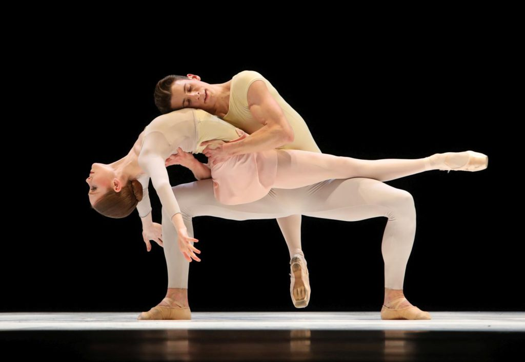 "12. E.Horwood and M.Pawlicki-Sinclair, ""Romance"" by T.Simons, Dutch National Ballet 2017 © H.Gerritsen"