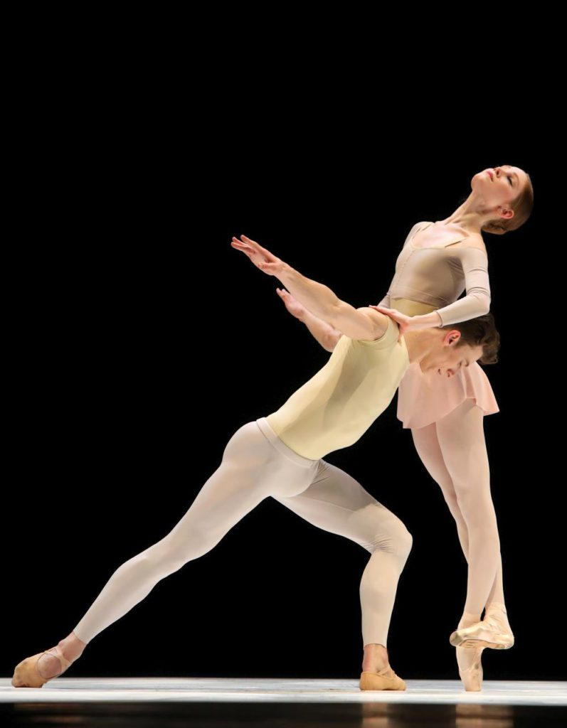 "10. M.Pawlicki-Sinclair and E.Horwood, ""Romance"" by T.Simons, Dutch National Ballet 2017 © H.Gerritsen"