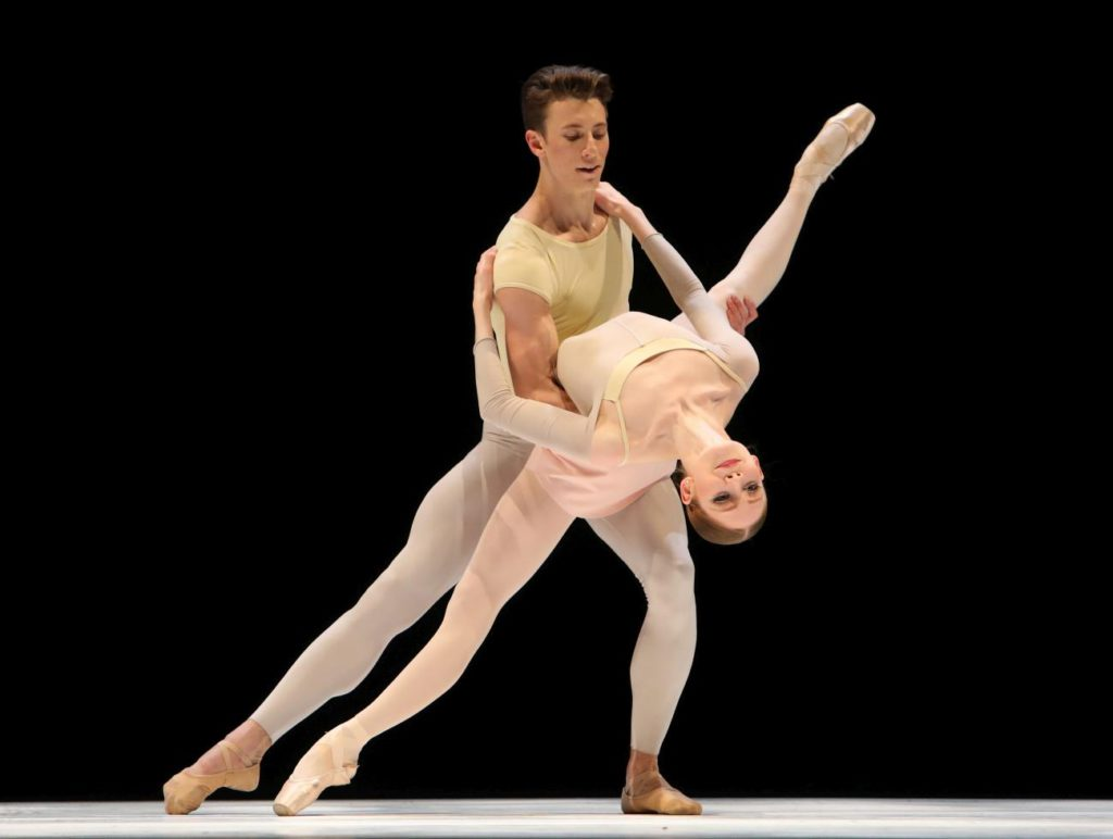 "11. M.Pawlicki-Sinclair and E.Horwood, ""Romance"" by T.Simons, Dutch National Ballet 2017 © H.Gerritsen"