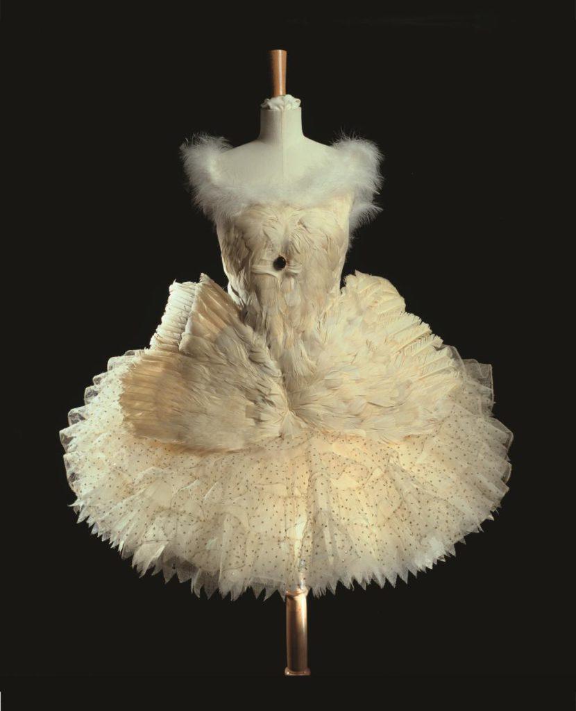 """6. Costume for A.Pavlova in """"The Dying Swan"""", chor.: M.Fokine © BnF, département de la Musique, Bibliothèque-musée de l'Opéra"""