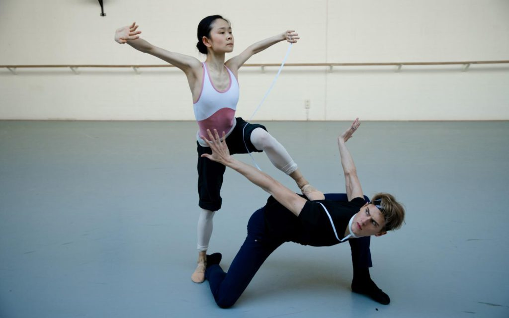 "7. J.Xuan and C.Fröhlich, rehearsal of ""Requiem"", chor.: T.van Schayk, Dutch National Ballet 2016 © A.Kaftira"