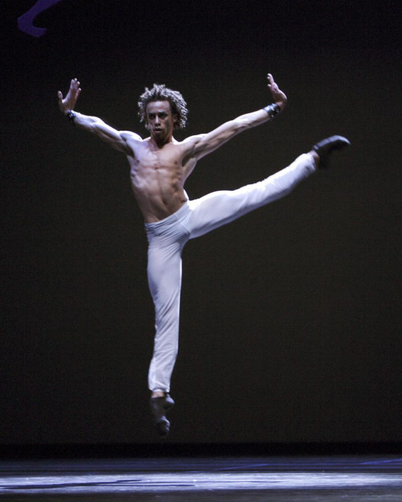 "26. R.R.Pronk, ""Spiegels Bevriezend"" by T.van Schayk, Dutch National Ballet © A.Sterling"