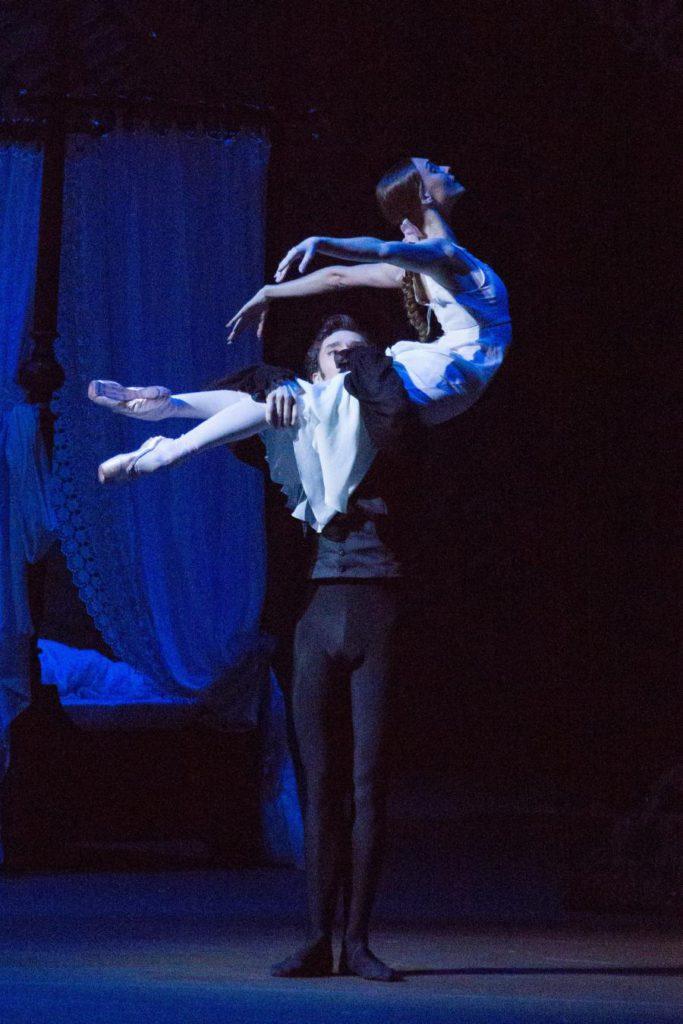 "4. V.Lantratov and O.Smirnova, ""Onegin"" by J.Cranko, Bolshoi Ballet © Bolshoi Theatre / M.Logvinov"