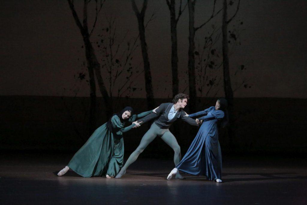 """6. E.Obraztsova, A.Ovcharenko and A.Stashkevich, """"Onegin"""" by J.Cranko, Bolshoi Ballet © Bolshoi Theatre / D.Yusupov"""