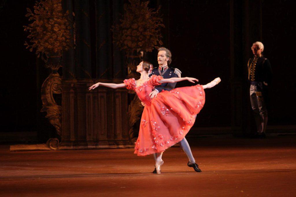"""8. O.Smirnova, V.Biktimirov and ensemble, """"Onegin"""" by J.Cranko, Bolshoi Ballet © Bolshoi Theatre / E.Fetisova"""
