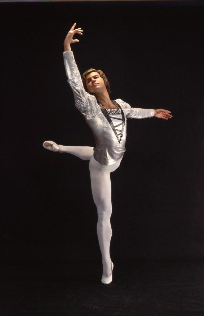 "9. B.Akimov in ""Swan Lake"" by Y.Grigorovich, Bolshoi Ballet © Bolshoi Theatre"