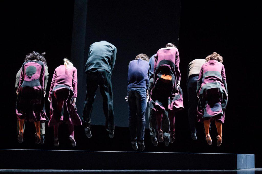 """2. Ensemble, """"She Was Black"""" by M.Ek, Semperoper Ballet © I.Whalen"""