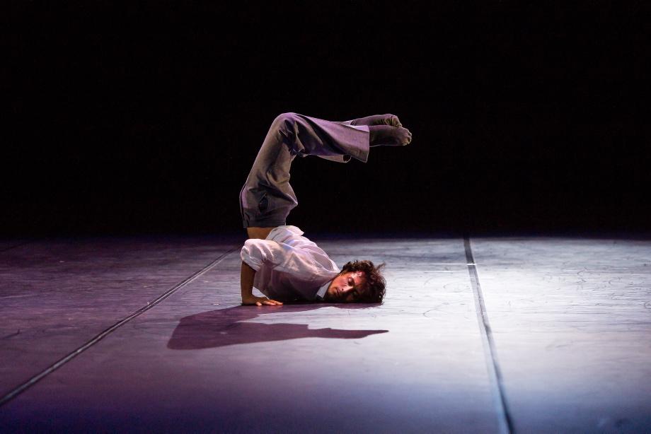 "3. P.von Sternenfels, ""A Drop of Ocean"" by P.von Sternenfels, Noverre Society Stuttgart – Young Choreographers 2017 © R.Novitzky"