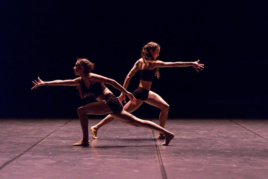"11. J.Franzoi and P.Rezende, ""Venus"" by N.Alves, Noverre Society Stuttgart – Young Choreographers 2017 © R.Novitzky"