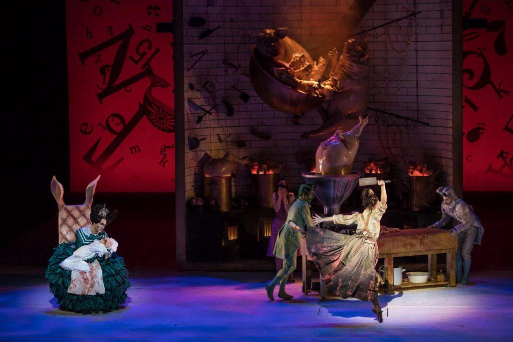 "6. M.Urban, M.Rudic, K.Ivkin, M.Arena and K.Ryzhkova, ""Alice in Wonderland"" by C.Wheeldon, Bavarian State Ballet 2017 © S.Ballone"