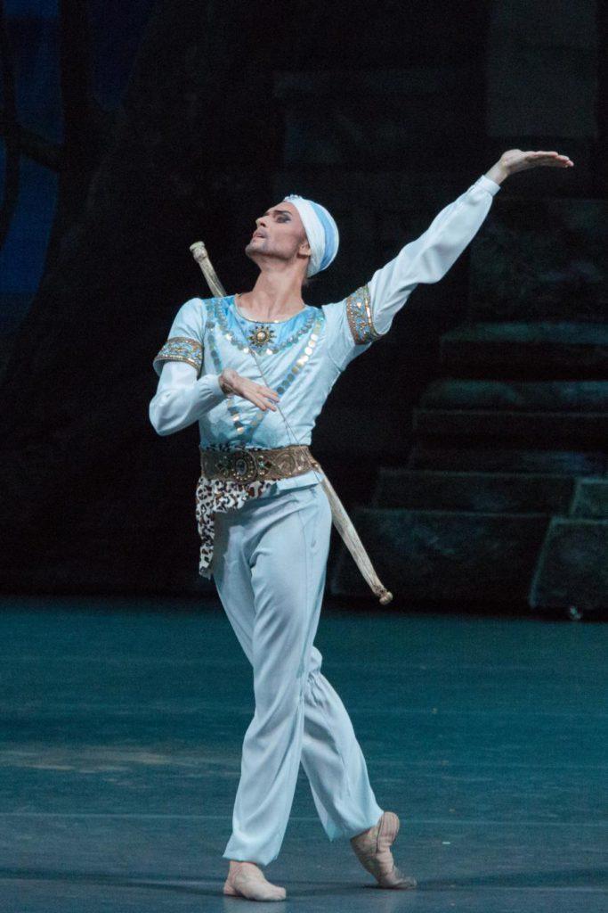 "8. D.Rodkin, ""La Bayadere"" by Y.Grigorovich after M.Petipa et al, Bolshoi Ballet © Bolshoi Theatre / M. Logvinov"