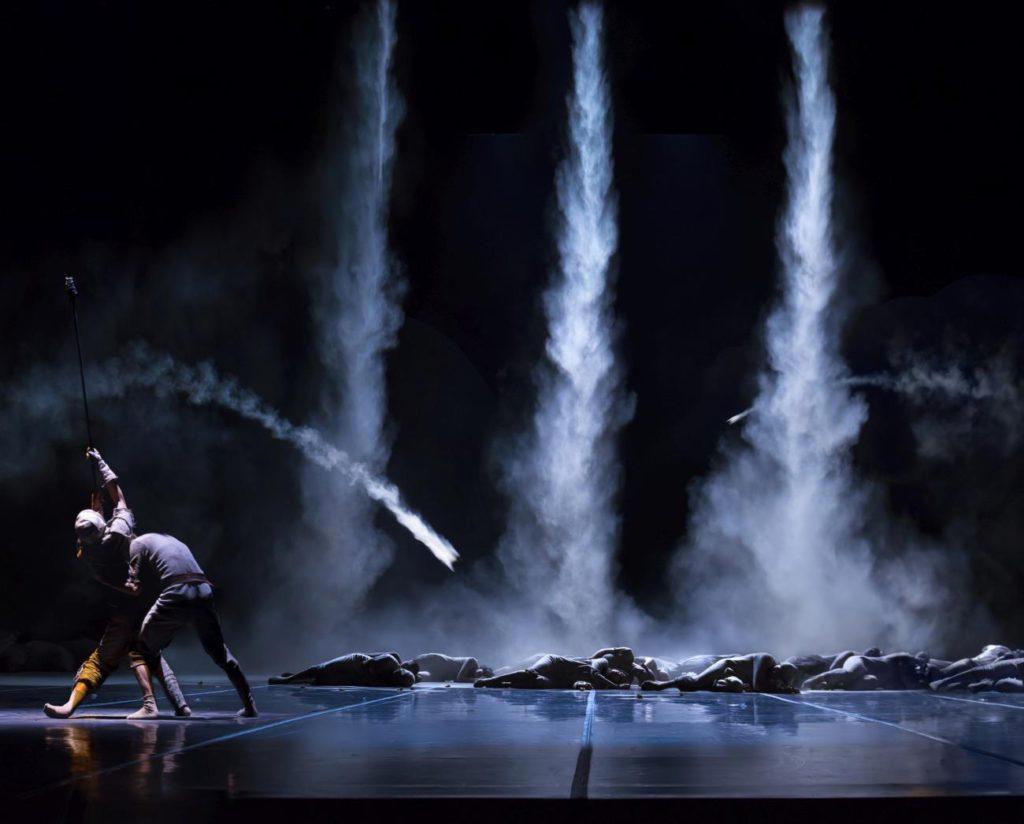 """5. R.Scott, N.Sasaki and ensemble, """"Don Quixote"""" by G.Montero, Ballet of the State Theater Nuremberg 2017 © J.Vallinas"""