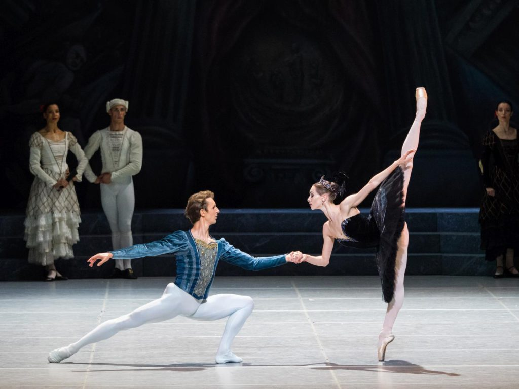 """8. S.Chudin, O.Smirnova (Odile) and ensemble, """"Swan Lake"""" by R.Nureyev after M.Petipa and L.Ivanov, Vienna State Ballet © Vienna State Ballet / A.Taylor"""