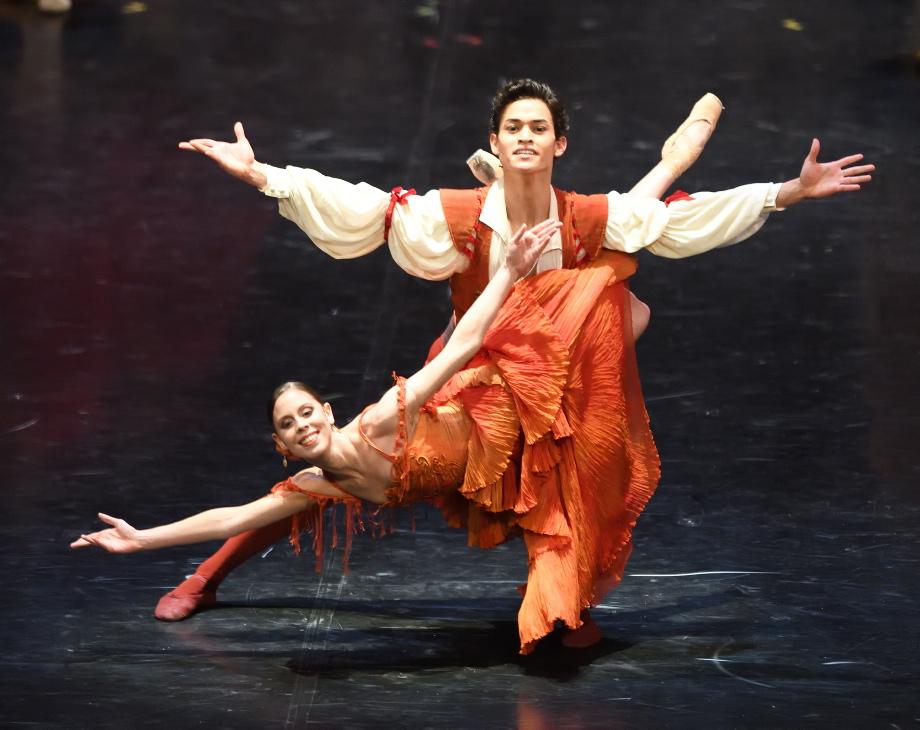 """7. E.Badenes and A.Soares da Silva, """"Don Quixote"""" by M.Guerra, Stuttgart Ballet 2017 © Stuttgart Ballet"""