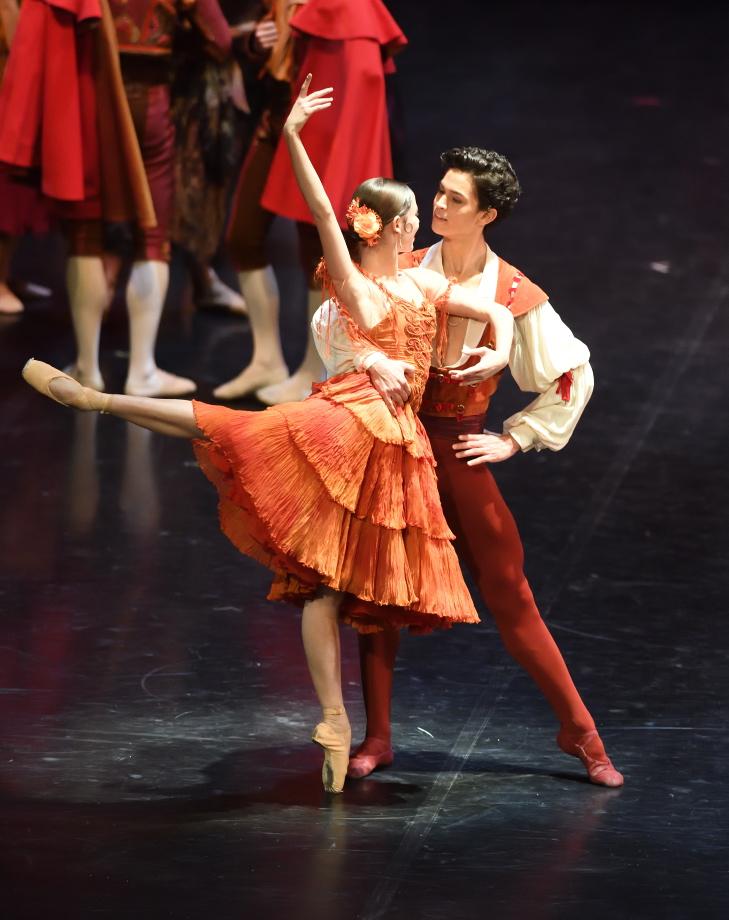 """4. E.Badenes and A.Soares da Silva, """"Don Quixote"""" by M.Guerra, Stuttgart Ballet 2017 © Stuttgart Ballet"""